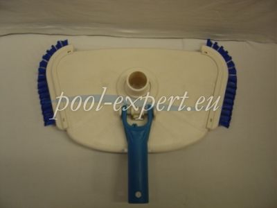 Floor suction nozzle with lateral brushes